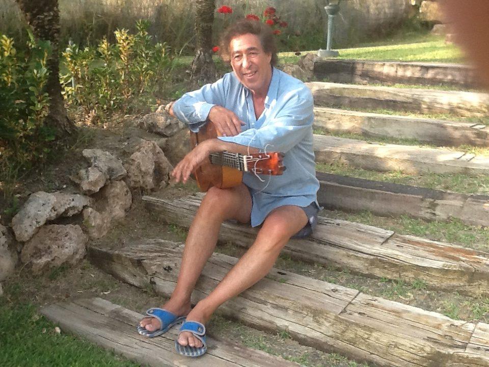 Juan en su jardin